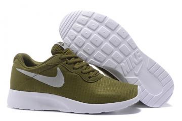 sneakers for cheap 5c464 839d3 Nike Tanjun SE BR Running Shoe Camo Green 844908-302